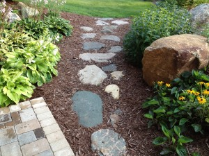 Fieldstone Flat Natural Walkway